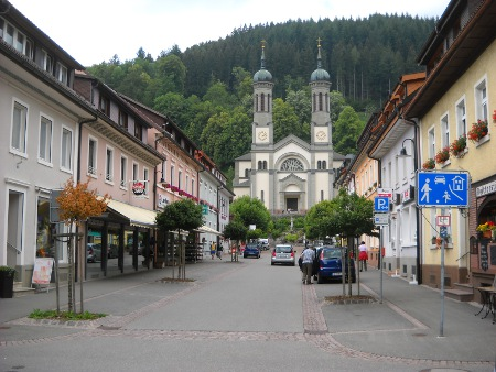 single manner titisee neustadt Vacation rental in titisee-neustadt the cozy about 45 m² non smoking rental is equipped with 1 bedroom with double bed and in the hallway with a single bed and.